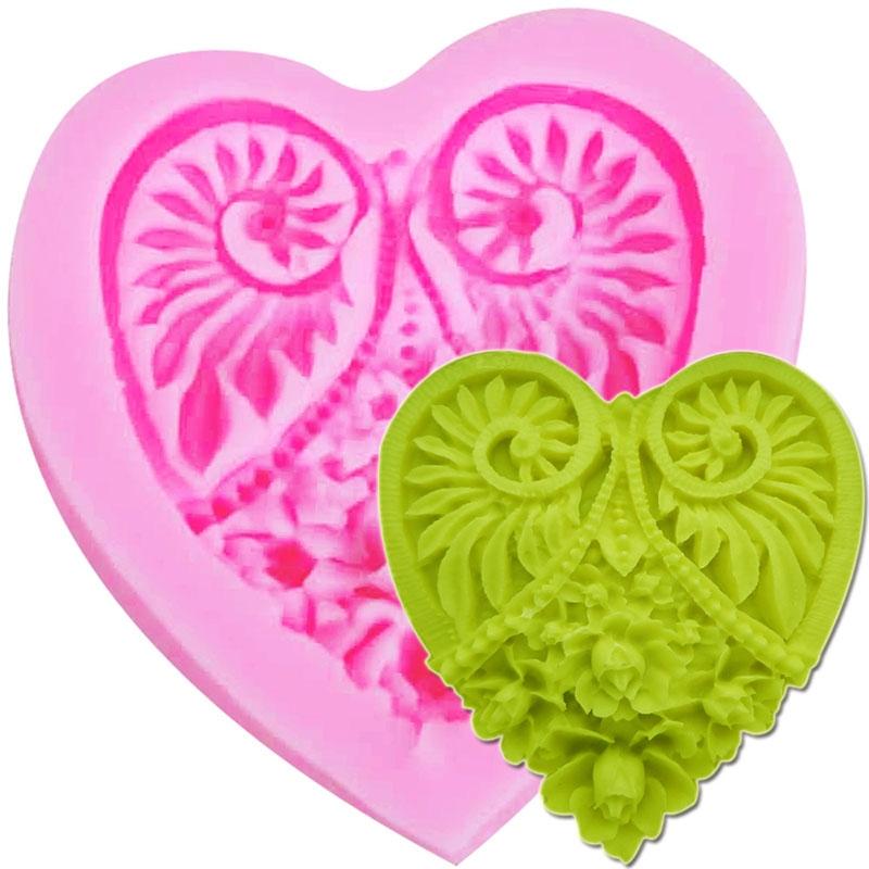 Moule Coeur avec moulure pâte à sucre