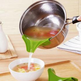Bec verseur en silicone pour casserole